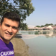 Nitin Gopal คือเจ้าของที่พักดีเด่น