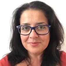 María  Candelaria è un Superhost.