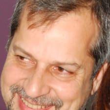 โพรไฟล์ผู้ใช้ Daniel Luis