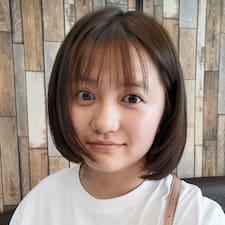 Yi felhasználói profilja