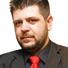 George Brugerprofil