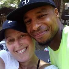 Michelle And Jomoe felhasználói profilja