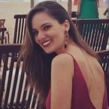 Profil Pengguna Ana Carolina