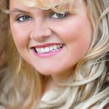 JJ Emily Allen felhasználói profilja