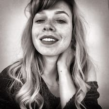 Sarah Madeleine Brugerprofil