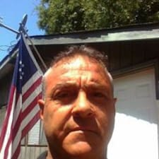 Profil utilisateur de Charles A.