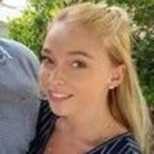 Cortney felhasználói profilja