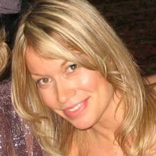 Marie-Elaine User Profile