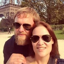 Profil Pengguna Hans And Roxy