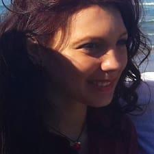 โพรไฟล์ผู้ใช้ Lydia