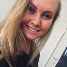 Jensine felhasználói profilja