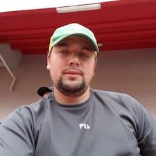Profil Pengguna Cesar