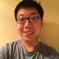 Yanan felhasználói profilja