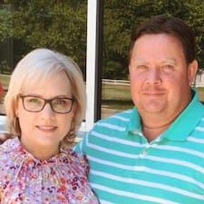 Кориснички профил на Julie And Randy
