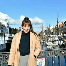 Sarah-Jane felhasználói profilja