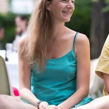 Profil Pengguna Karine