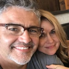 Lisa And John felhasználói profilja