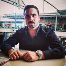 Profil Pengguna Carlos Enrique