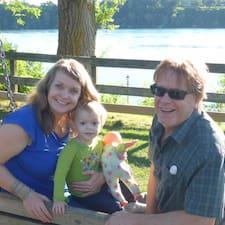 Lori & Thaddeus - Uživatelský profil