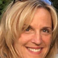 Betty-Jean felhasználói profilja