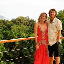 โพรไฟล์ผู้ใช้ Ryan And Helene