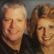 Profil Pengguna Shawn & Peggy