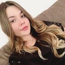 Ana Julia felhasználói profilja