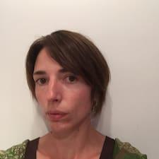 Anne-Bénédicte User Profile