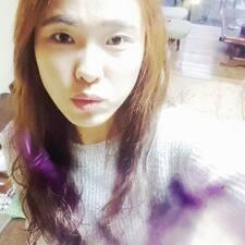 Yoojung felhasználói profilja