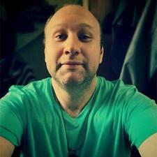 Aleksandrさんのプロフィール