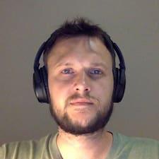 Hennie Kullanıcı Profili