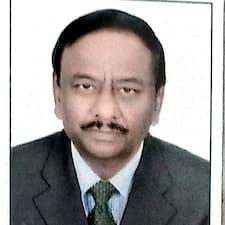 A .B .S Naidu è un Superhost.