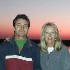 Carol And Charlie Brugerprofil