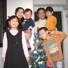 Saito Family is a superhost.