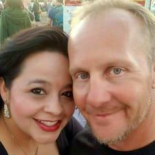 Paul And Jeannette felhasználói profilja