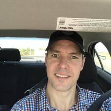 Corey felhasználói profilja