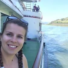 Renée-Claude User Profile