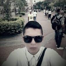 Julián felhasználói profilja