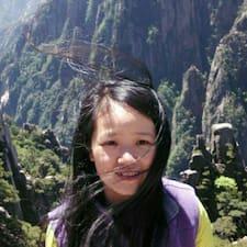 Ling est un Superhost.