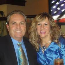 David & Carmen Superhost házigazda.