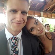 Mike And Sarah Brugerprofil