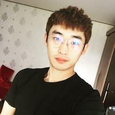 Ji Yong是房东。