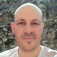 Hervé felhasználói profilja