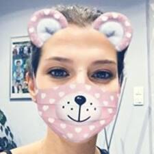Perfil do utilizador de Caroline