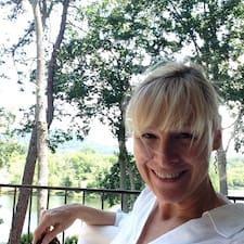 Lou Ella felhasználói profilja
