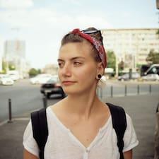 Ana-Maria felhasználói profilja