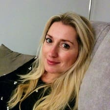 Manuela Chiaraさんのプロフィール