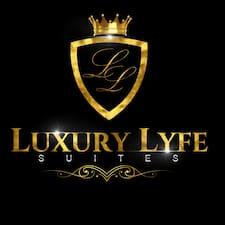 Ο/Η Luxury Lyfe Suites είναι ο/η SuperHost.