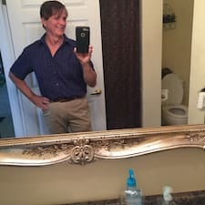 Gary Superhost házigazda.