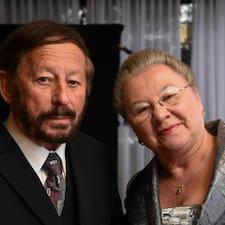 Barbara & Robert is een SuperHost.